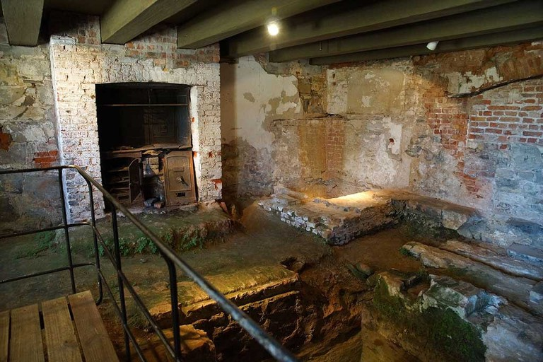 Eerie-Places-in-Africa-With-Most-Spine-Chilling-Urban-Legends_Cape-Town-castle