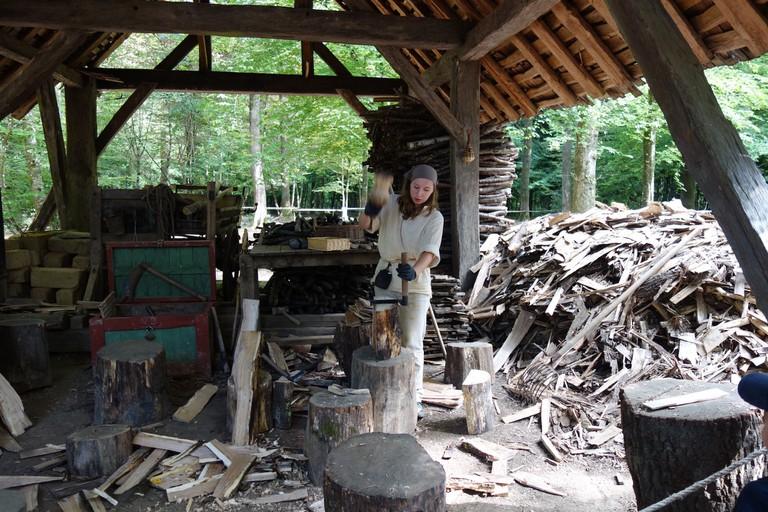 Guedelon volunteer making shingles sylvia edwards davis