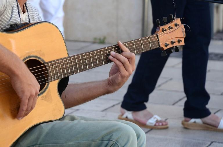 guitar-445387_1280