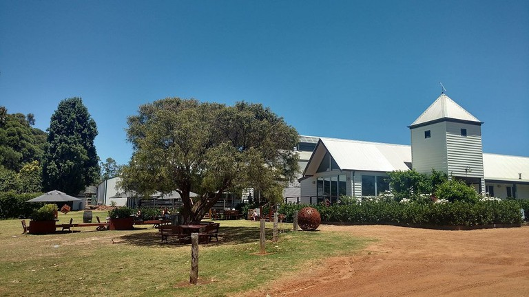 Hay Shed Hill Winery, Margaret River | © Lasthib/Wikimedia Commons