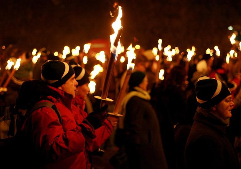 Hogmanay torchlight procession | © Jenni Douglas/Flickr