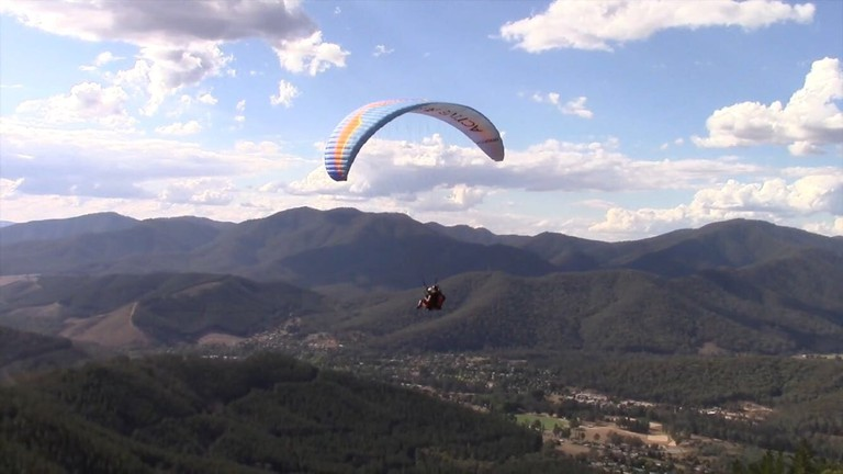 Paragliding Bright