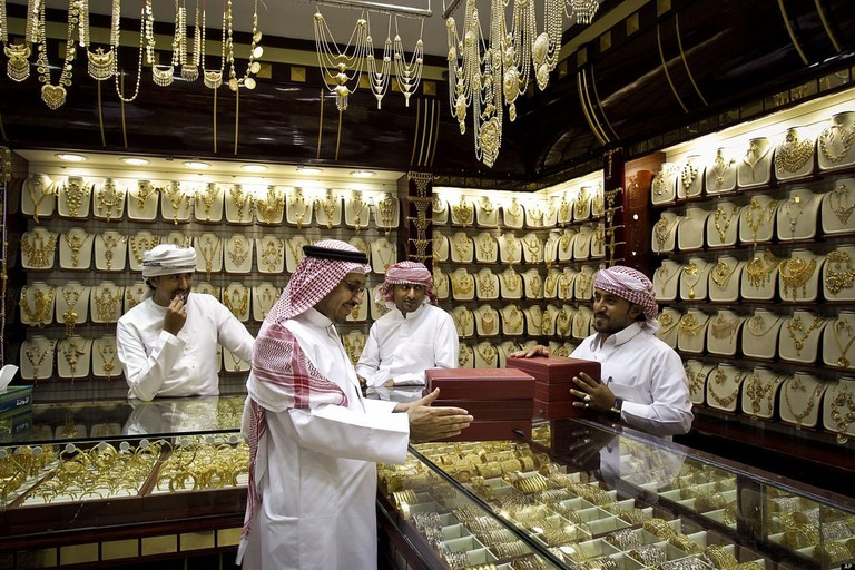 The noise in the Dubai Gold Souq can be enough to scare away any new Japanese tourist!