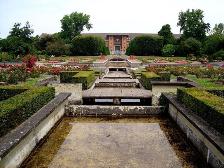 Jardin des Plantes velvet via WikiCommons
