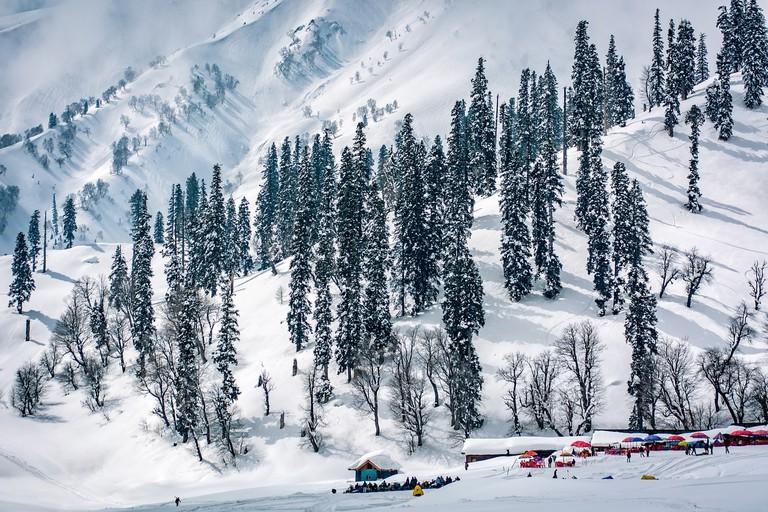 https://pixabay.com/en/landscape-view-himalayas-kashmir-2176347/