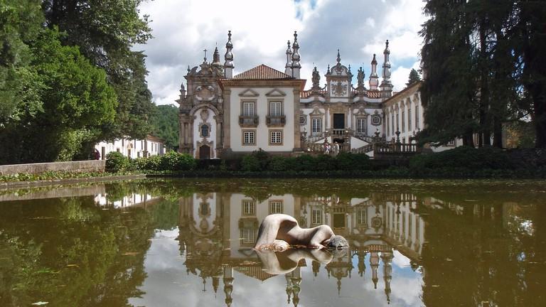 https://pixabay.com/en/mateus-casa-palace-villa-real-2388263/