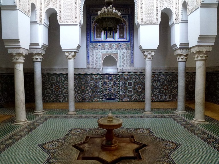 Mausoleum_of_Mouley_Ismail_Meknes_Morocco_-_panoramio_(2)