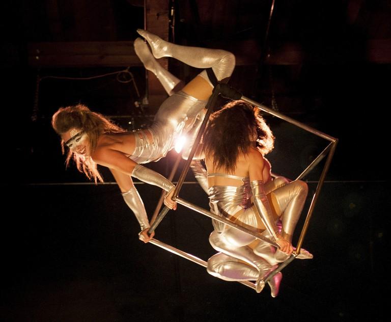 Moisture Festival Acrobats | © Allie Cooper / Flickr