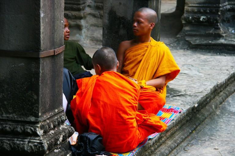 monks-972555_1920