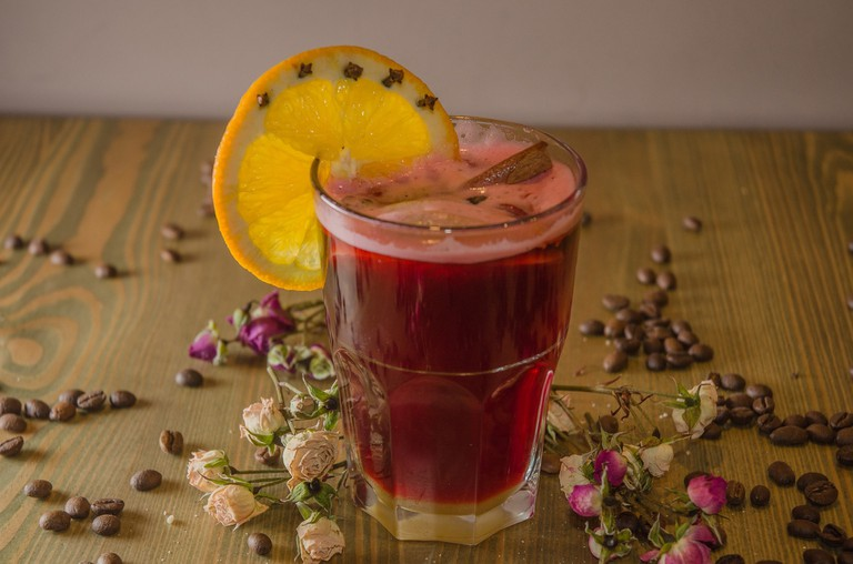 mulled-wine-photographer-2178648_1920