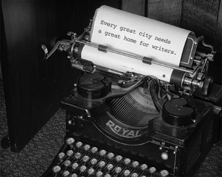 N_406755efe6355183faac1b115c1dc605writing workshops typewriter