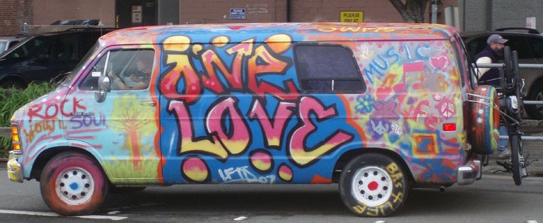 One Love Hippie Bus, Seattle | © Shibby777 / Flickr