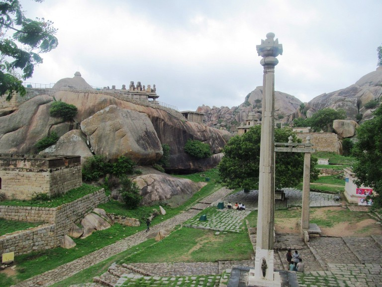 Pillar_in_Chitradurga_Fort,_Karnataka,_India