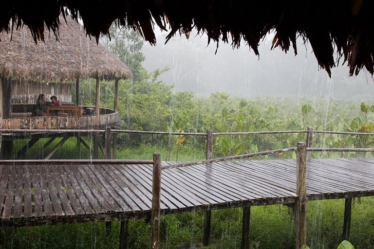 Rainy huts Equador | © By glorious journey photography / Wikimedia Commons