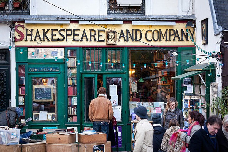 Shakespeare_and_Company_26_November_2011