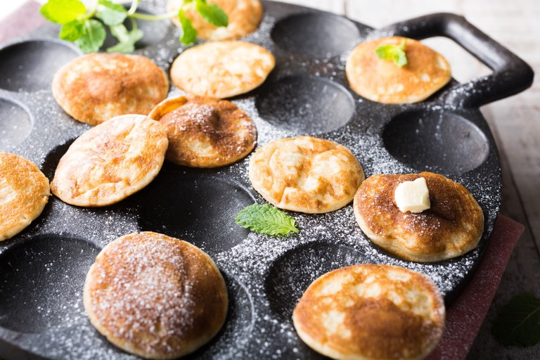 These pancakes are served with powdered sugar