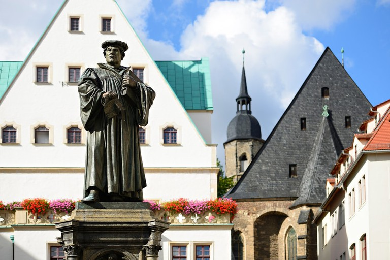 Monument of Martin Luther in the Town Square of Eisleben, Germany | © dugdax/Shutterstock