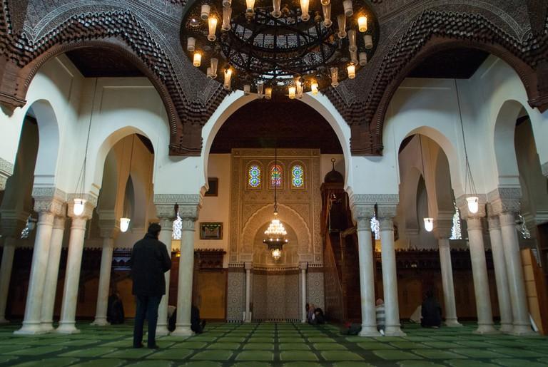 Beautiful Interior Design Of The Grand Mosque Of Paris | © nikjuzaili/Shutterstock