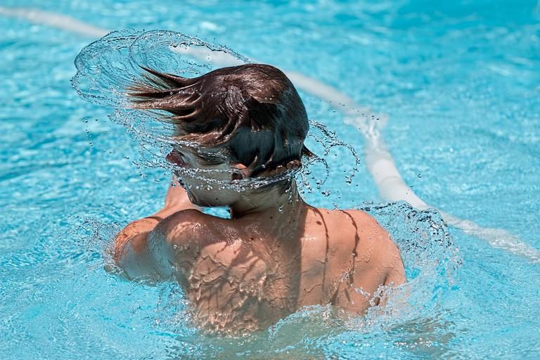 swimming-1925391_1920