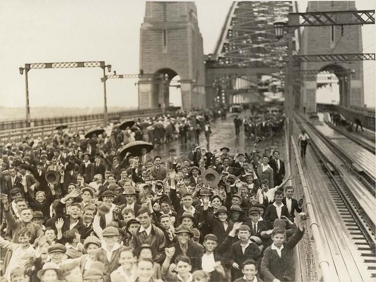 Sydney Harbour Bridge opening   © Wikimedia Commons