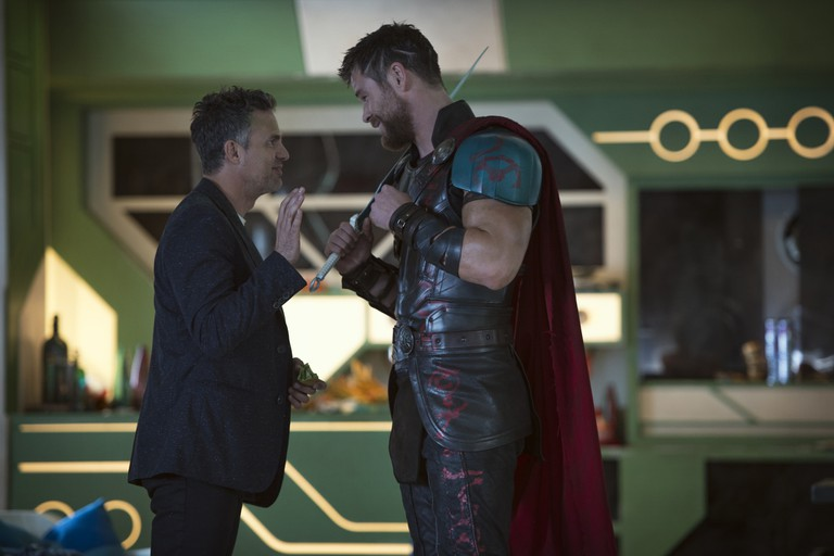 Bruce Banner/Hulk (Mark Ruffalo) and Thor (Chris Hemsworth) | © Marvel Studios 2017