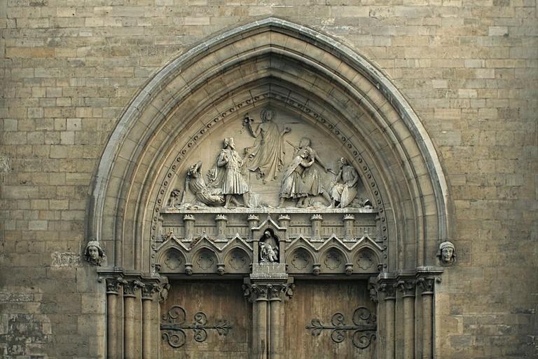 1024px-Église_Saint-Jean-Baptiste_de_Belleville_-_transept_tympan