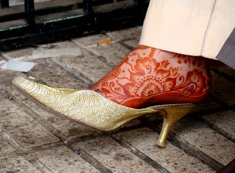 1024px-Henna_on_foot_in_Morocco