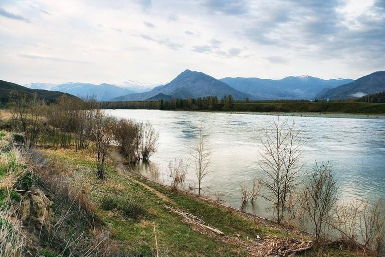 1024px-Katun_river