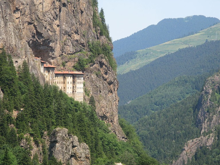 1024px-Sumela_monastery_in_province_of_Trabzon,_Turkey_view_from_the_road