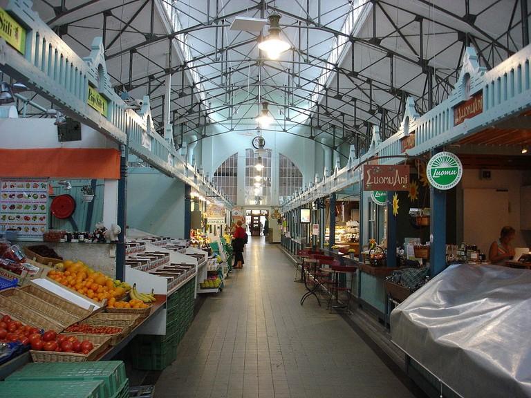 1024px-Tampere_market_hall_inside