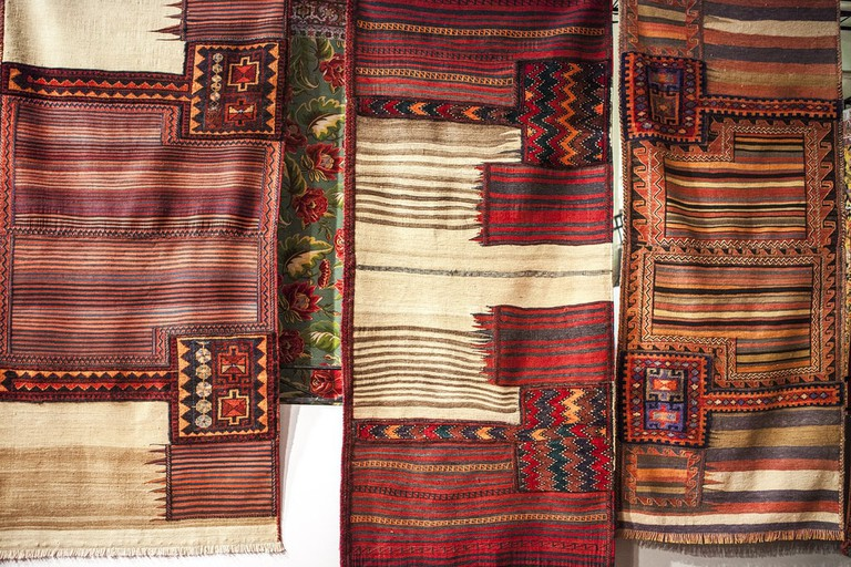 There are various types of Persian rugs | © Ninara / Flickr