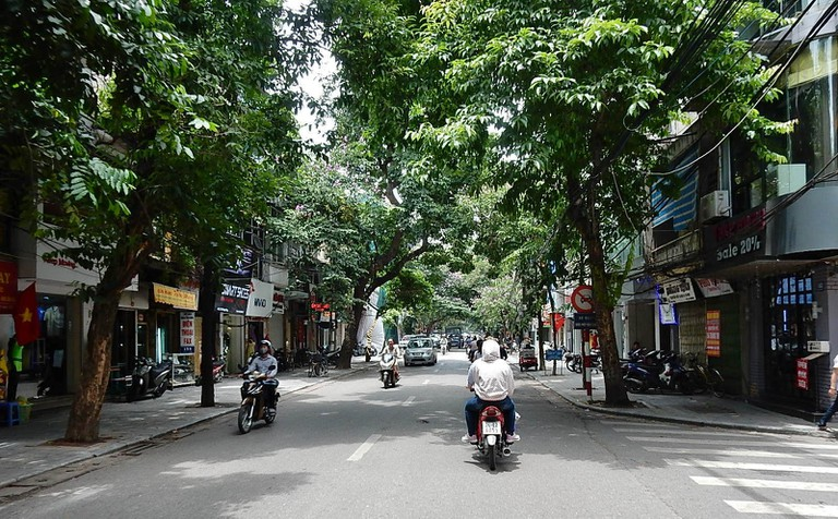 Hanoi can be hectic, but there are peaceful spots   © Michael Coghlan/Flickr