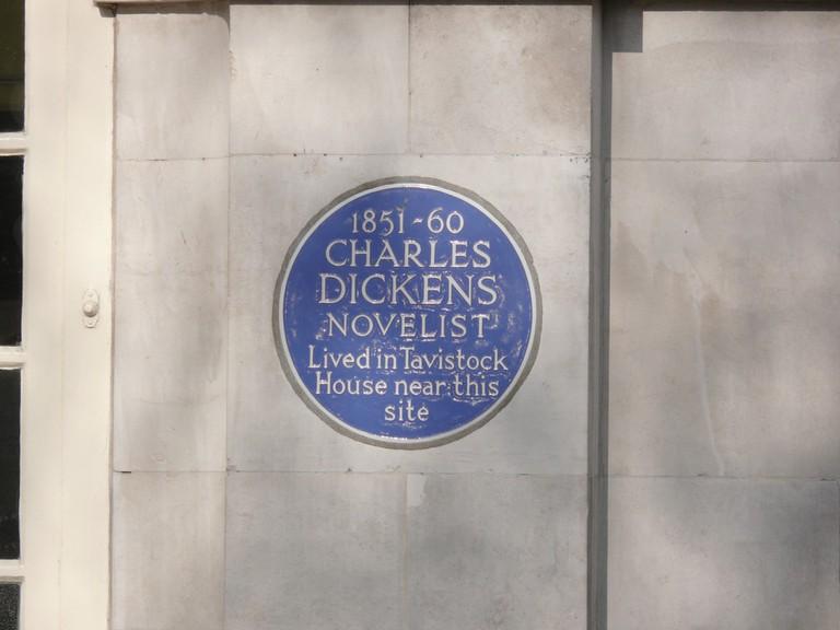 Bloomsbury blue plaques © generalising / Flickr