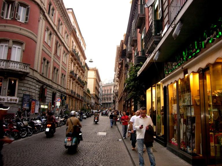 Via Chiaia is where to go for designer shops | © deglispiriti/Flickr