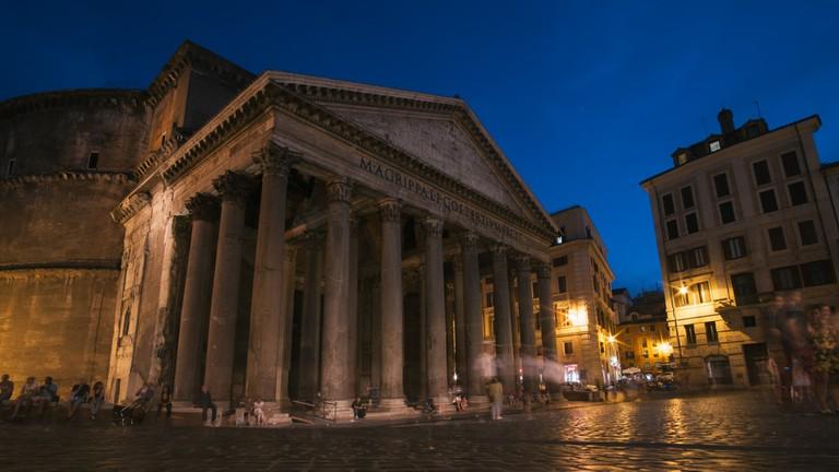 The Pantheon at night | © bongs Lee/Flickr