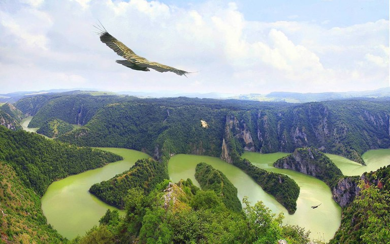 The unique majesty of Serbia's Uvac canyon | © Junaidrao/flickr