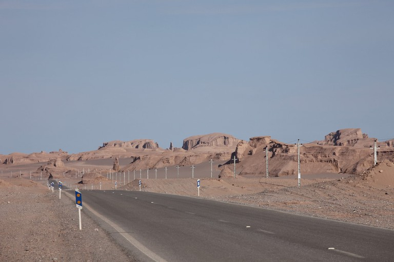 Given Iran's size, factoring in time spent on the road is a must | © Ninara / Flickr