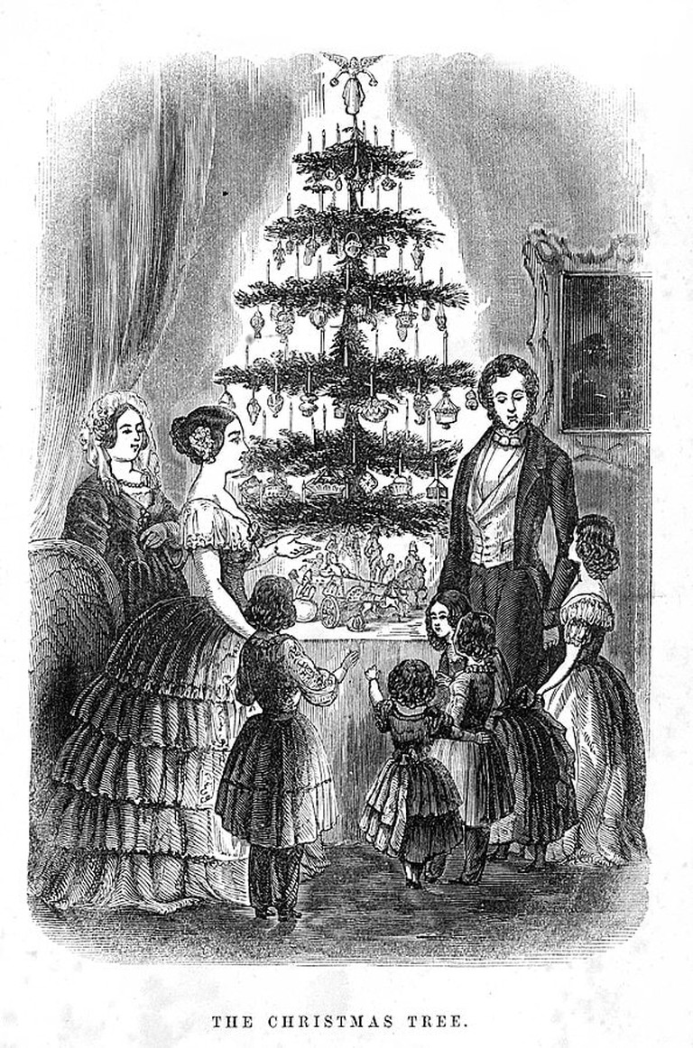 595px-First_Christmas_Tree_in_Britain_1846_Illustrated_London_News