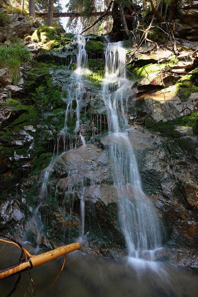 682px-Závojový_vodopad