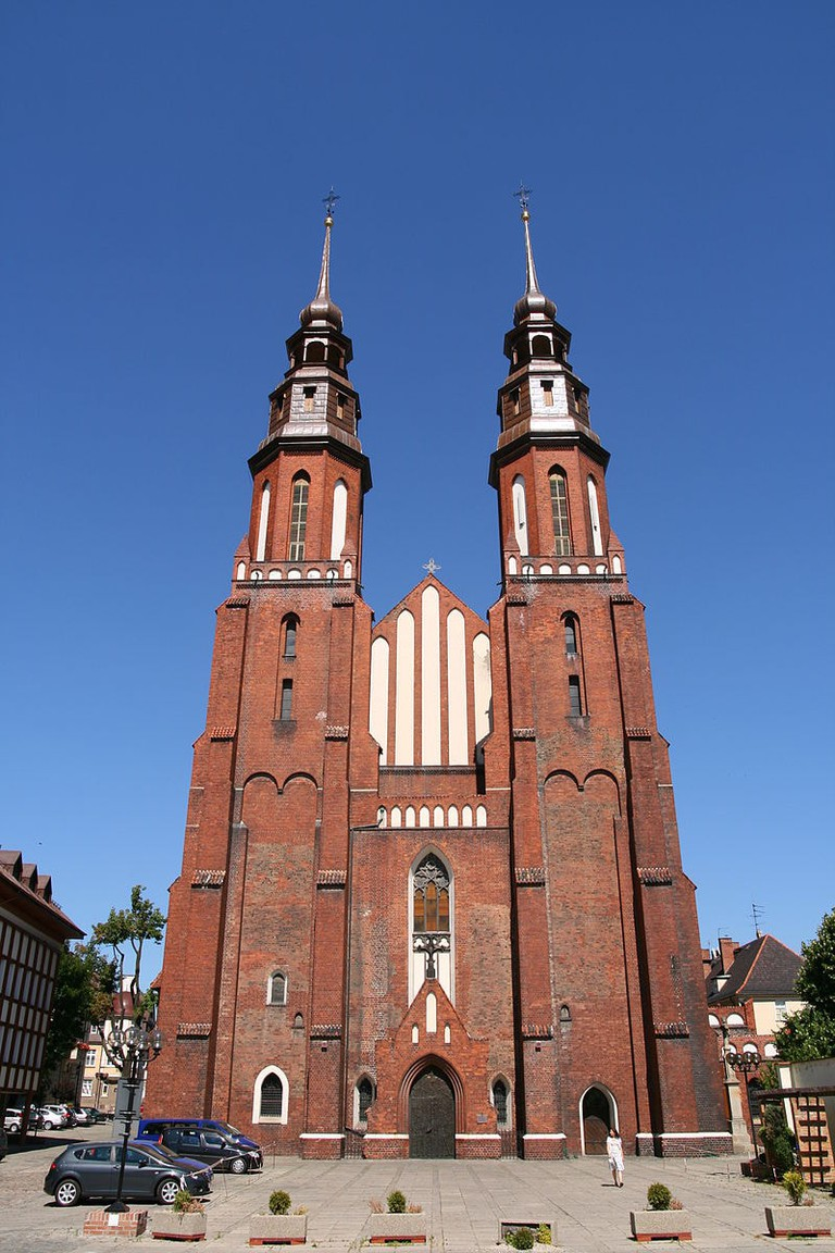 800px-Opole_-_Cathedral_01