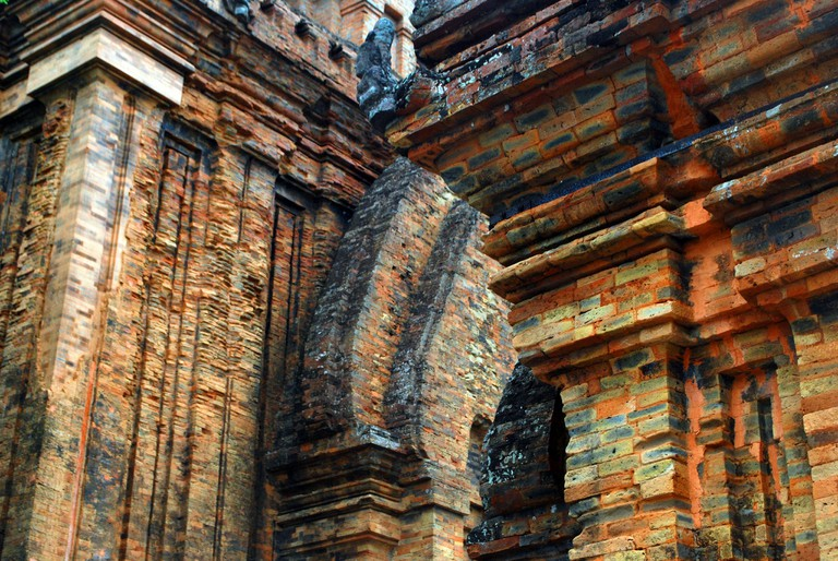 Cham ruins | © Mr. Theklan/Flickr