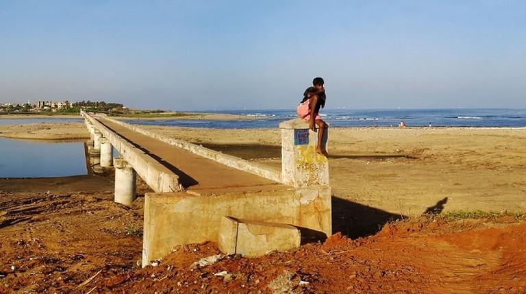 Adyar_estuary_broken_bridge_panorama