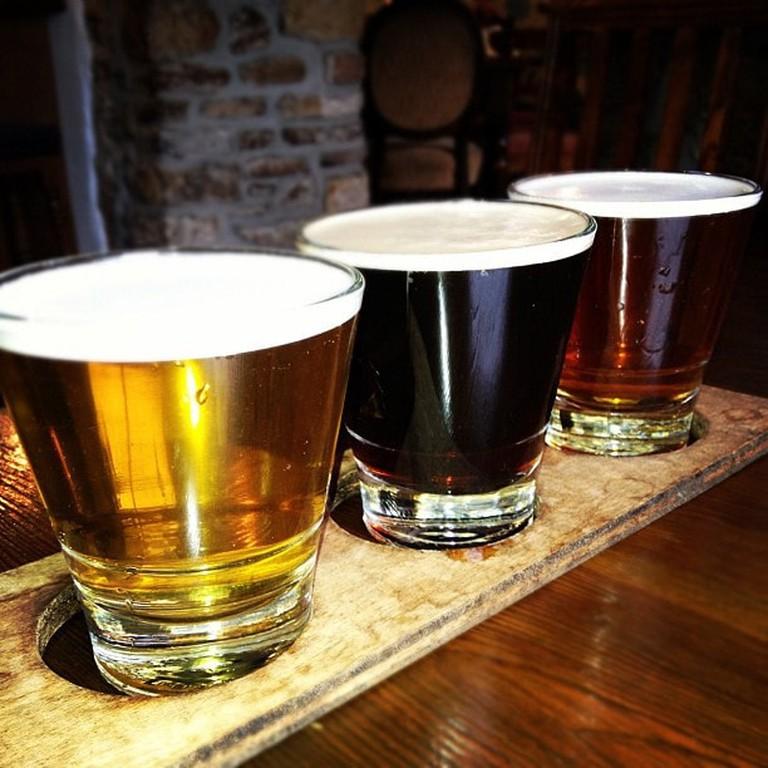 Grab a round of beers | © Darren Maloney / Flickr