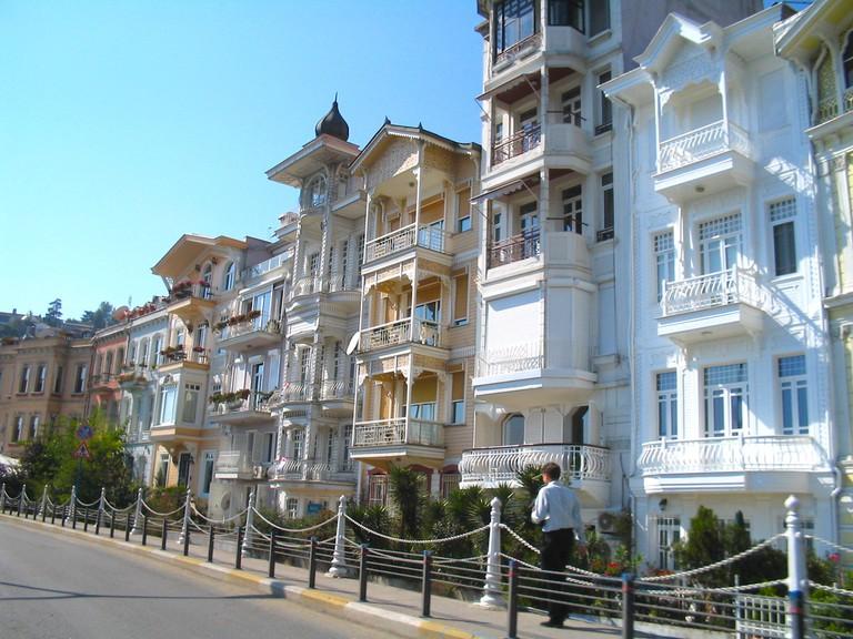 Buildings_in_Cihangir_Biyoglu_Istanbul