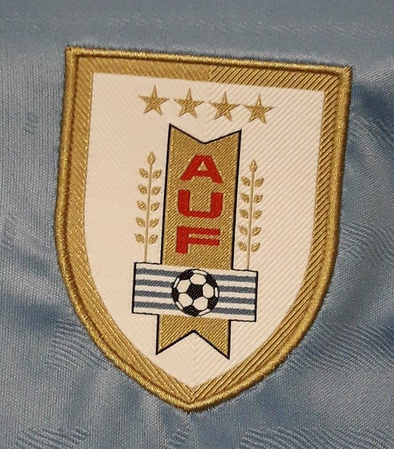 Camiseta_Uruguay_titular_02