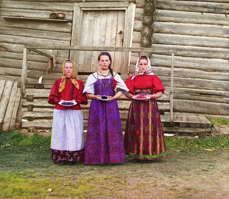 Countryside_Russian-Girls