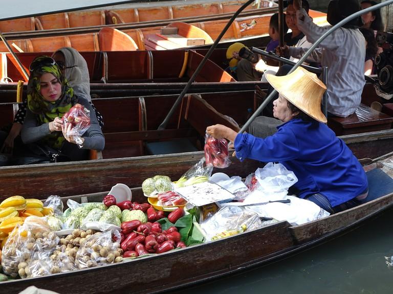 damnoen-saduak-floating-market-546268_1920