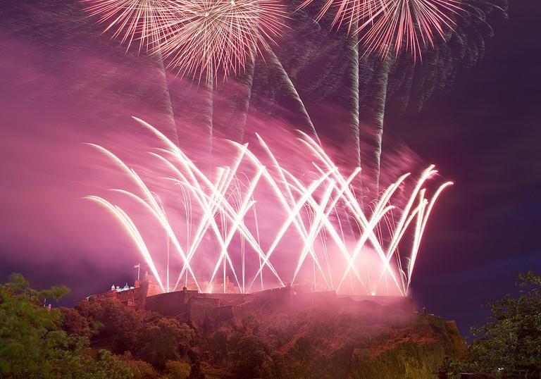 Edinburgh Castle Fireworks © Steve Collis / Flickr