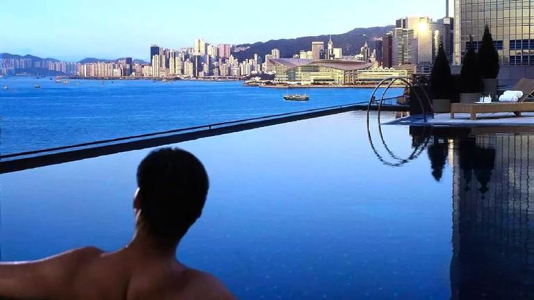 Four Seasons Hong Kong Swimming Pool