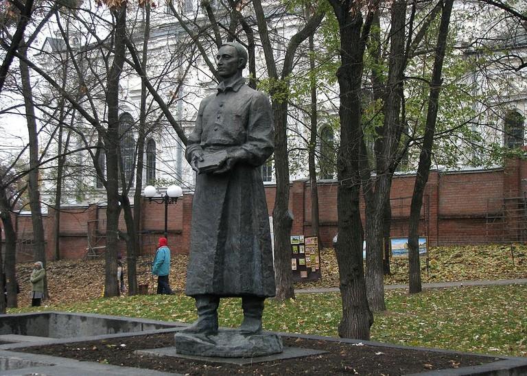 GrigoriSkovoroda_filosof_sculptura